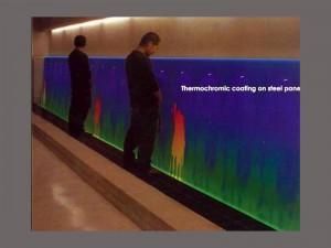 Toilet art with heat sensitive wall